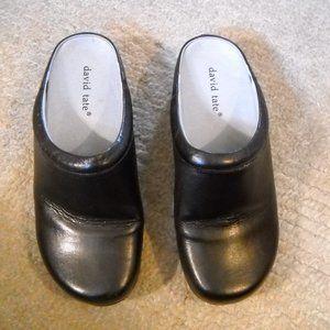 Women's David Tate Black Leather Mules Size 7.5 WW